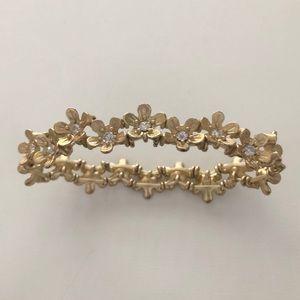 Gold stretchy flower bracelet from Francescas